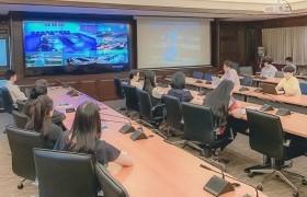 รูปภาพ : ผอ.วิทยบริการฯ ประชุมร่วม VDO Conference การดำเนินงานด้านระบบสารบรรณอิเล็กทรอนิกส์ หน่วยงานภายใน มทร.ล ๖ พื้นที่