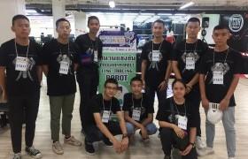 รูปภาพ : เด็กเตรียมวิศวกรรมศาสตร์ เข้าร่วมเป็นคณะกรรมการจัดการแข่งขัน ChiangMai Robot Game 2019 ณ ศูนย์การค้าพันธุ์ทิพย์ เชียงใหม่