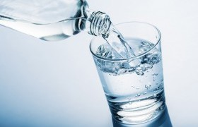 Image : Drinking water before meals helps dieting, says study