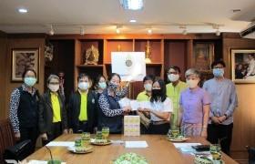รูปภาพ : ประธานแม่บ้านมหาดไทยจังหวัดตากเยี่ยมนักศึกษาทุนมูลนิธิร่วมจิตต์น้อมเกล้าฯ เพื่อเยาวชนในพระบรมราชินูปถัมภ์