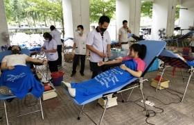 รูปภาพ : มทร.ล้านนา เชียงราย ร่วมกับ โรงพยาบาลเชียงรายประชานุเคราะห์ จัดกิจกรรมรับบริจาคโลหิต