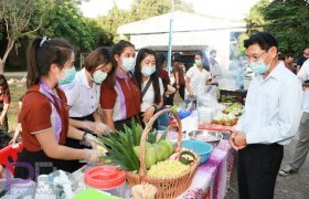 รูปภาพ : นักศึกษาหลักสูตรบริหารธุรกิจ มทร.ล้านนา ลำปาง จัดกิจกรรม Young Entrepreneur ep.3 Street Food บูรณาการระหว่างศาสตร์บริหารธุรกิจ