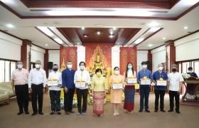 รูปภาพ : มทร.ล้านนา จัดโครงการส่งเสริมพระพุทธศาสนามอบเทียนพรรษาให้กับ 6 หน่วยงานภายใน สืบสานประเพณีเข้าพรรษา