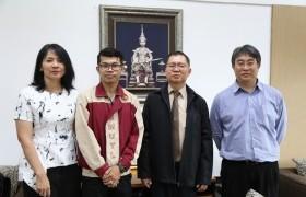 รูปภาพ : นักศึกษาแลกเปลี่ยนกัมพูชา เข้าพบผู้บริหารมหาวิทยาลัย ภายหลังสำเร็จการศึกษาระดับปริญญาตรี